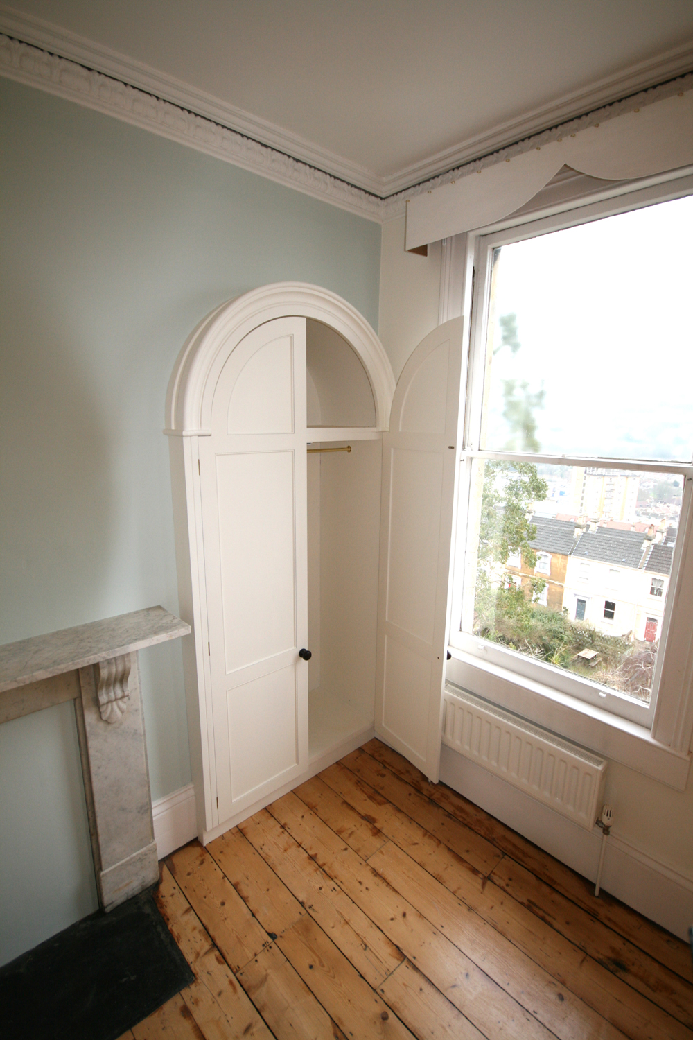 Bespoke arched wardrobes purpose built to fit into existing arched alcoves enlargement 3