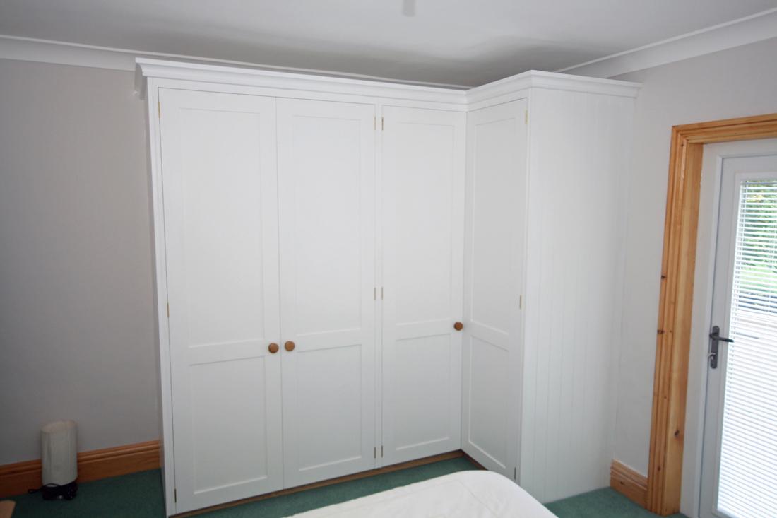 l shaped corner wardrobes enlargement 1. Black Bedroom Furniture Sets. Home Design Ideas