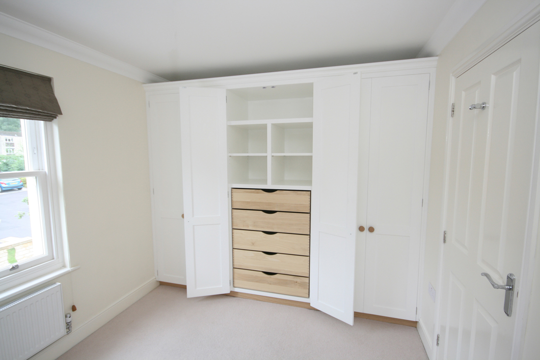 Wall To Wall Fitted Wardrobes Enlargement 2