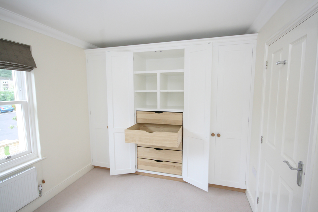 Wall To Wall Fitted Wardrobes Enlargement 3